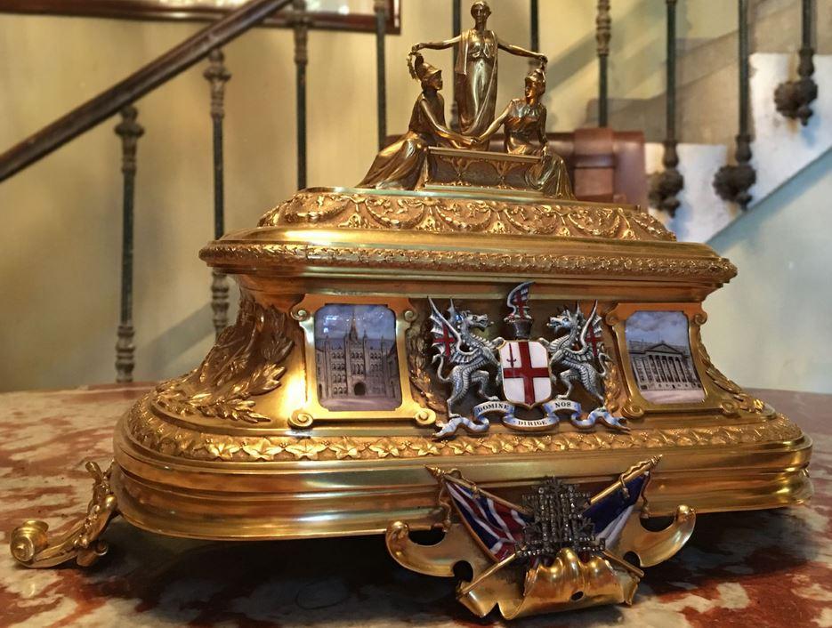Photo du trésor : le coffret d'or !